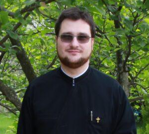 preot Cosmin Santi