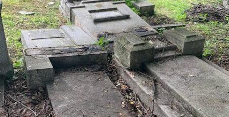 Profanarea cimitirului evreiesc din Ploiești. Cătălin Raiu reacționează